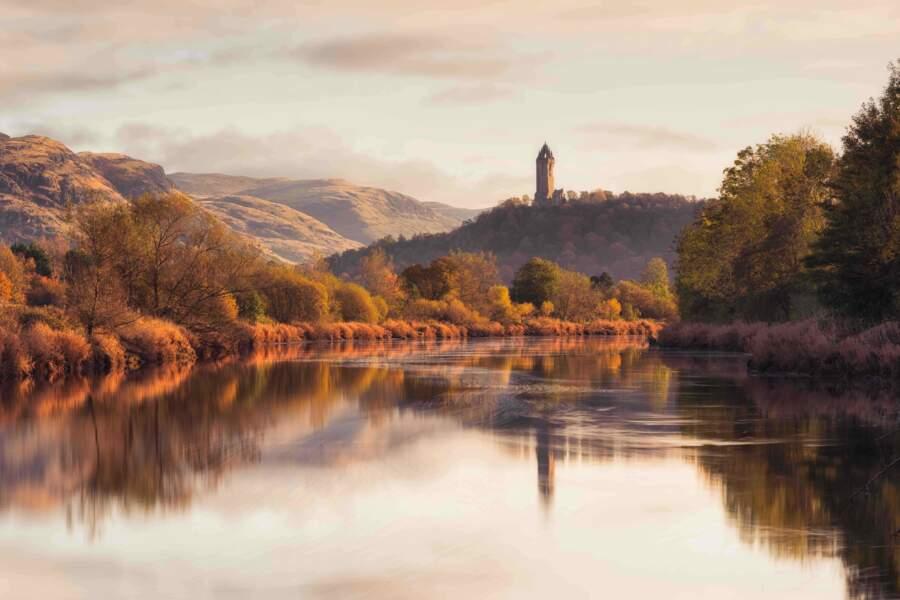 Le Monument à William Wallace en haut d'une colline près de Stirling en Écosse