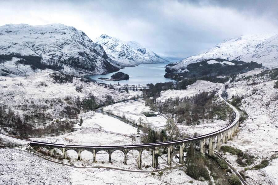L'hiver majestueux dans la région des Highlands en Écosse