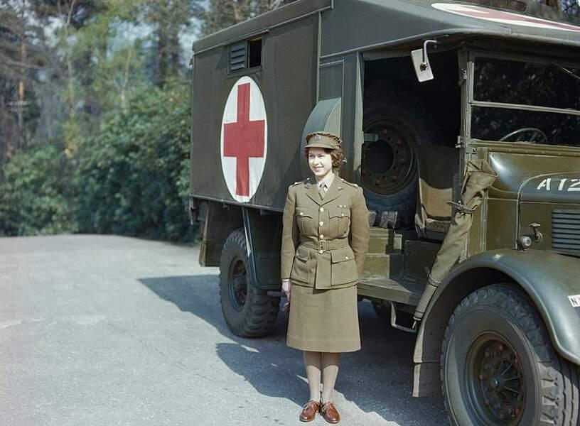 3. Elle s'est enrôlée dans l'armée pendant la Seconde Guerre mondiale