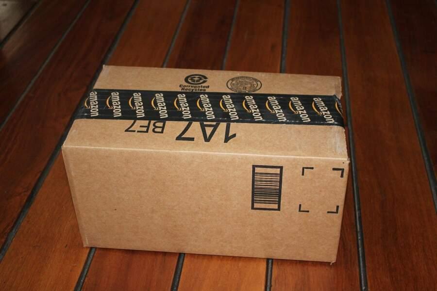 Placer les objets livrés chez soi qui sont non urgents et non périssables dans des sacs et attendre avant de les ouvrir