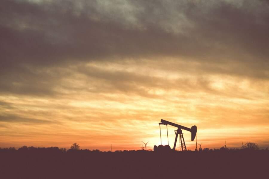 La valeur boursière du baril de pétrole a plongé en dessous de 0 $ aux États-Unis, atteignant -37,60 $ ce lundi 20 avril