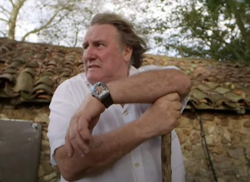24. Gérard Depardieu danse avec plaisir