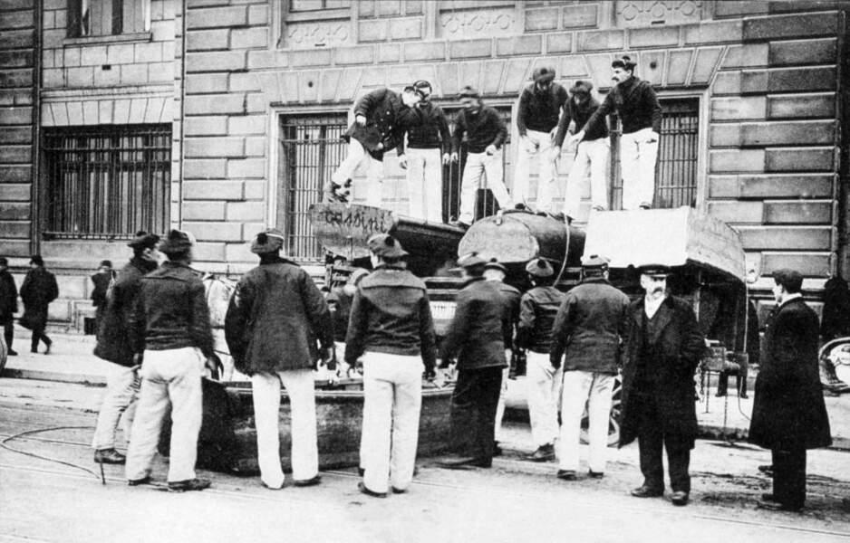 Les marins de l'équipage de la flotte de Brest sont appelés à la rescousse pour épauler les secouristes