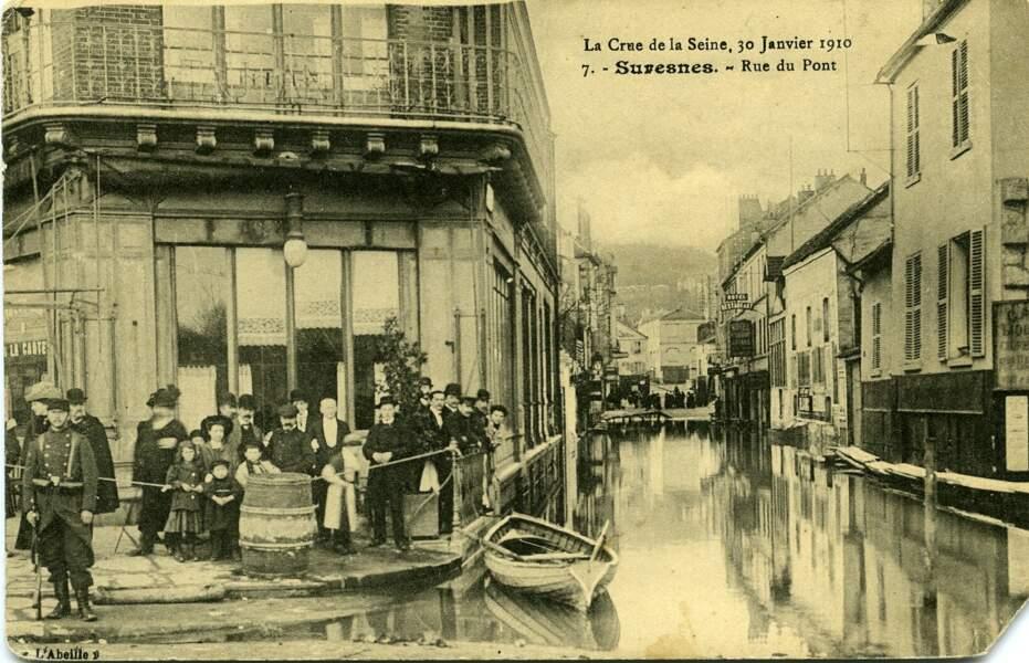 Les rues sont inondées dans la capitale et en banlieue