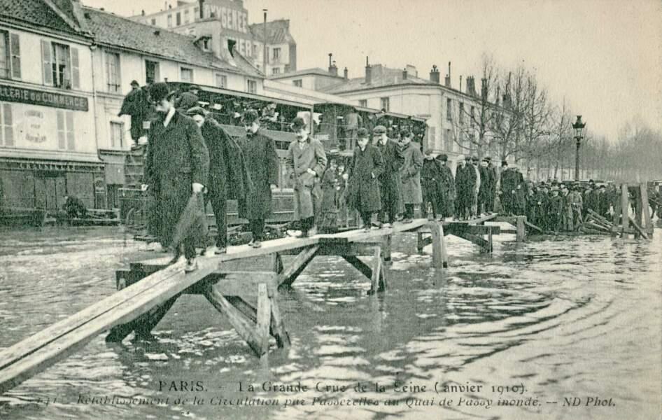 Le 28 janvier 1910, la crue de la Seine est amorcée