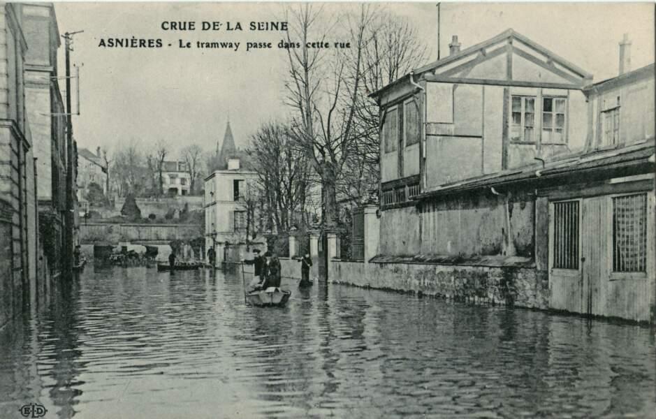 Les barques remplacent le tramway