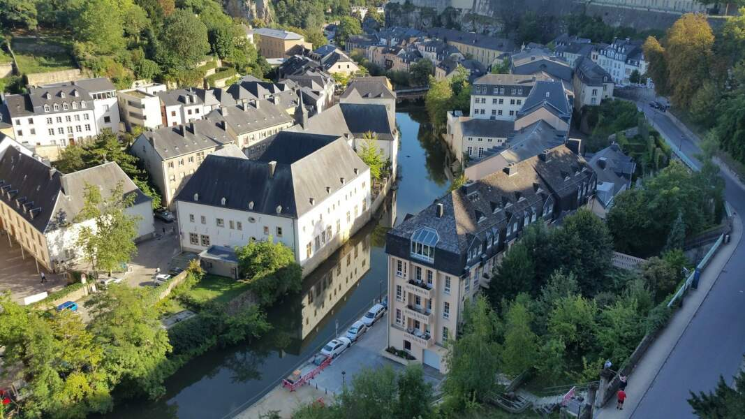 8. Le Luxembourg