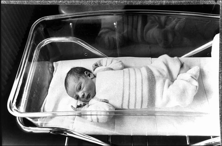 1982 Le premier bébé-éprouvette voit le jour en France