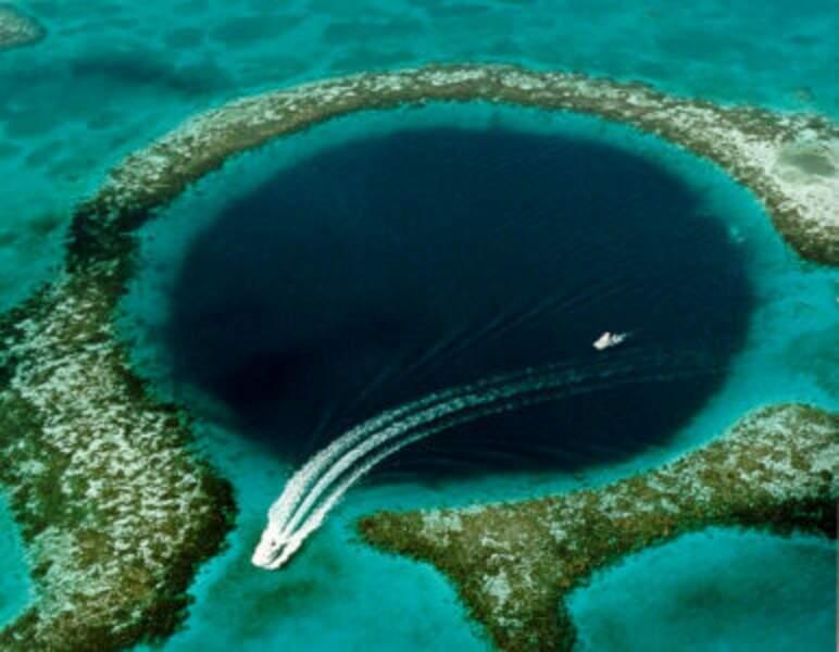 Le Grand Trou bleu du Belize, une grotte sous-marine