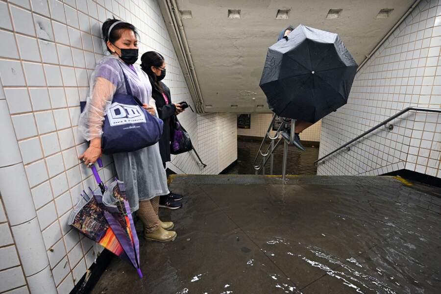 Le métro de New York inondé.
