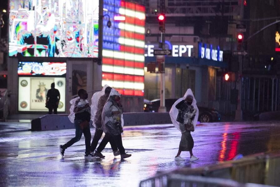 Times Square, les pieds dans l'eau.