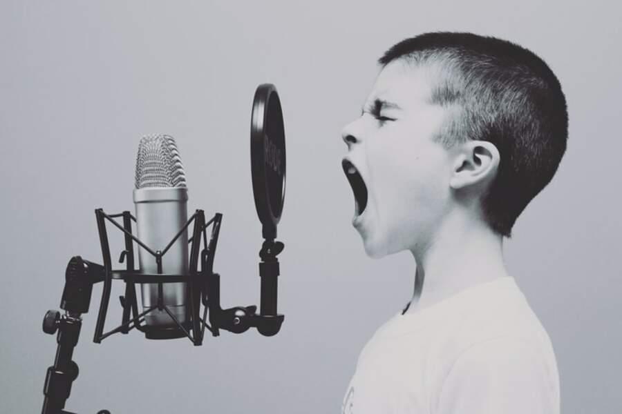 L'hyperactivité par la parole
