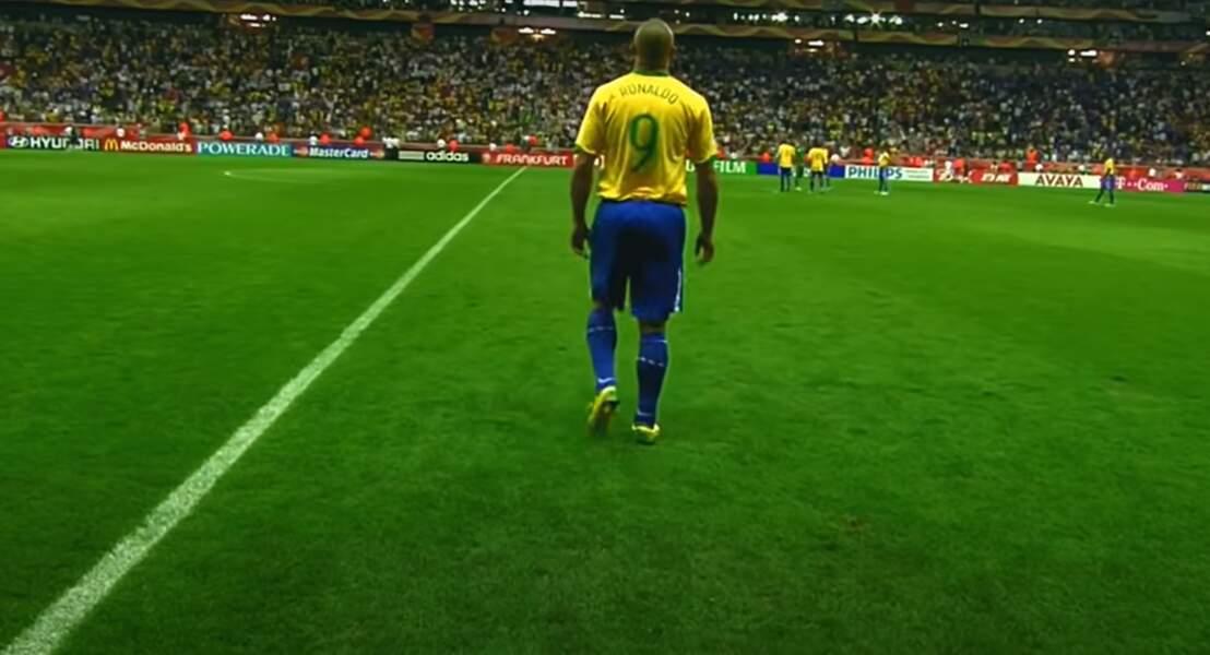 Jeune, il avait pour idole le Brésilien Ronaldo