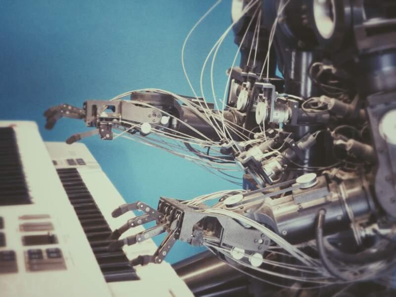 Il est terrifié par les intelligences artificielles qui pourraient contrôler l'humanité
