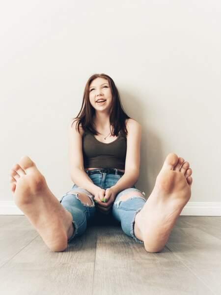 L'adolescente aux plus grands pieds