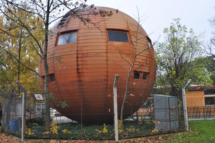 La maison-boule de Kugelmugel en Autriche